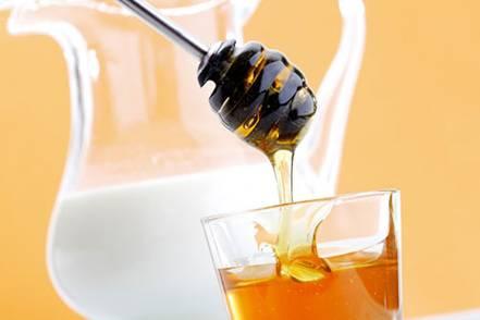 ket hop sua vitamin e va mat ong