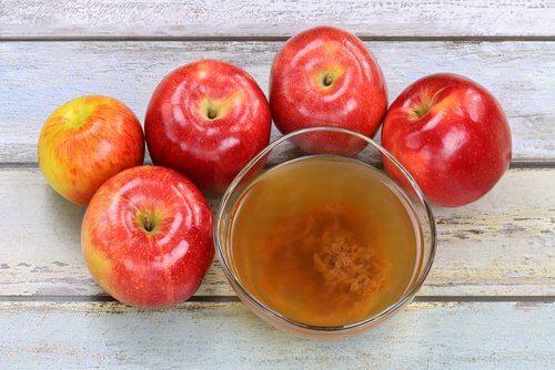 Acid malic trong giấm táo giúp giảm nồng độ acid trong máu